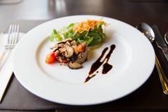 Salade de champignon d'Apitizer mélangée à du porc Image stock
