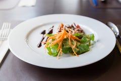 Salade de champignon d'Apitizer mélangée à du porc Photos stock