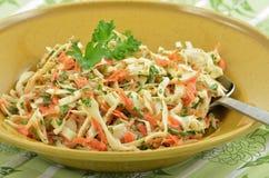 Salade de choux crémeuse photo stock