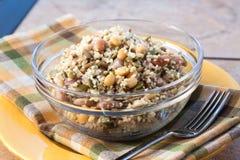 Salade de couscous de tournesol de Vegan image libre de droits