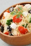 Salade de couscous, salade de kuskus photographie stock