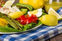 Salade de crabe avec l'asperge et les oeufs Photo libre de droits