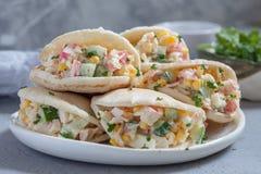 Salade de crabe en pain pita Photos libres de droits