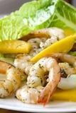 Salade de crevette avec la mangue Image libre de droits