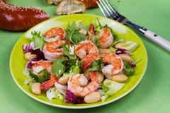 Salade de crevette et de haricot blanc photo libre de droits