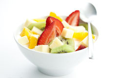 Salade de fruits avec des accumulations de fruit et de yaourt photos stock
