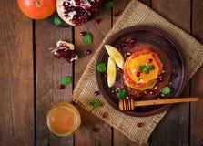 Salade de fruits avec le pamplemousse et l'orange Image libre de droits