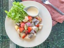Salade de fruits de mélange Image libre de droits