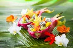 Salade de fruits exotique images stock