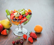 Salade de fruits nouvellement préparée Photos libres de droits