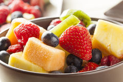 Salade de fruits organique fraîche photo stock