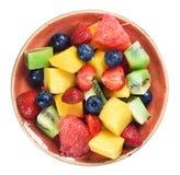 Salade de fruits saine d'isolement sur le fond blanc Vue supérieure images stock