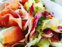 Salade de jambon de Parme Photographie stock libre de droits