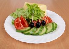 Salade de légumes de plaque Photo stock