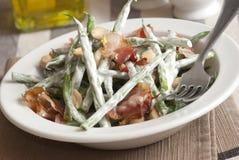 Salade de lard et d'haricot photographie stock libre de droits