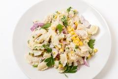 Salade de pâtes de thon d'en haut Image stock