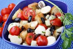 Salade de pain et de légume photographie stock libre de droits