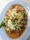 Salade de papaye avec l'oeuf salé Photos libres de droits