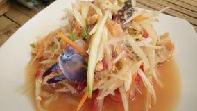 Salade de papaye avec le crabe bleu Photo libre de droits