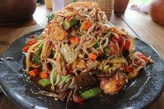 Salade de papaye, nourriture thaïlandaise délicieuse épicée chaude Image stock