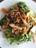 Salade de poulet grillée Images stock