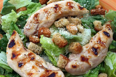 Salade de poulet grillée Photo stock
