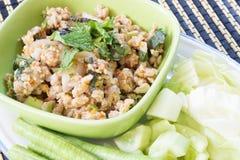 Salade de poulet hachée épicée de nourriture thaïlandaise Images stock