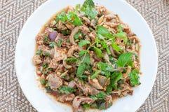 Salade de poulet hachée épicée (larb, nourriture thaïlandaise) Photographie stock libre de droits
