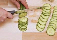 Salade de Prepairing Images libres de droits