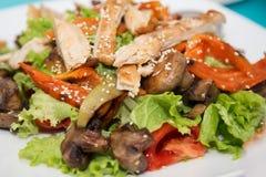 Salade de rassemblement, de légume, de champignons et de cumin Images stock