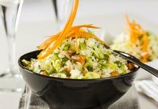 Salade de riz avec des légumes Images libres de droits