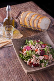 Salade de thon et de légume Photo libre de droits