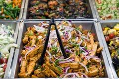 Salade de tofu et d'oignon rouge Photo libre de droits
