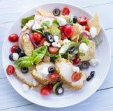 Salade de van het Middenoosten van het Brood met Kip Royalty-vrije Stock Foto's