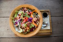 Salade de verts mélangée colorée photo libre de droits
