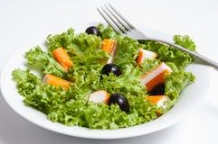 Salade des bâtons de crabe Photo libre de droits