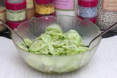 Salade des concombres image stock