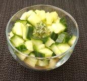 Salade des concombres photographie stock