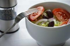 Salade in een kom Stock Afbeeldingen