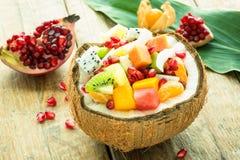 Salade exotique de fruit frais Photos libres de droits