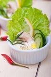 Salade fraîche d'immersion de fromage d'ail Photo stock