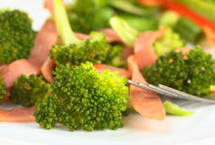 Salade fraîche de Broccoli-Jambon Photos libres de droits