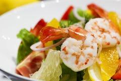 Salade fraîche de crevette avec le pamplemousse Photos stock