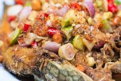 Salade frite de poissons photo stock