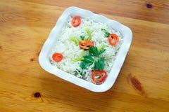 Salade grecque avec des oeufs image libre de droits