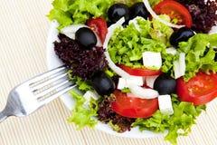 Salade grecque de plaque Photo stock