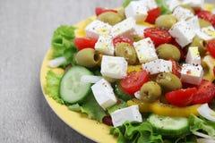 Salade grecque traditionnelle du plat Photos libres de droits