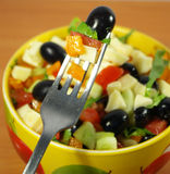 Salade grecque végétarienne image stock
