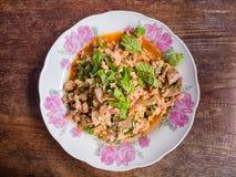 Salade hachée épicée de porc, mâche hachée de porc avec épicé Photo libre de droits