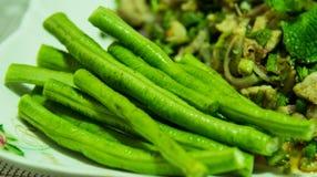 Salade hachée épicée de porc Mâche hachée de porc avec la nourriture épicée et thaïlandaise Photo stock